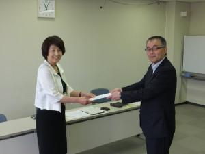弓立男女平等参画推進委員長から労働局藤田室長へ要請